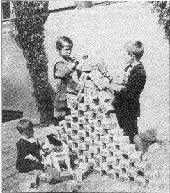 Hyperinflation: When Fiat Currencies are Worthless
